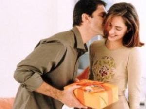 Когда мужчина дарит подарки?